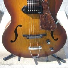 Godin 5th Avenue Sunburst Hollowbody Guitar image