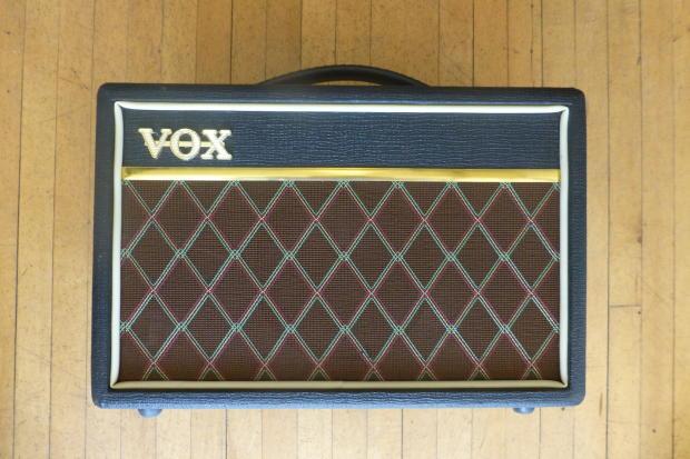 vox pathfinder v9106 15 watt guitar amp reverb. Black Bedroom Furniture Sets. Home Design Ideas
