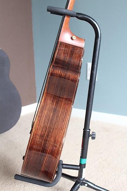 Taylor Nylon Acoustic 21