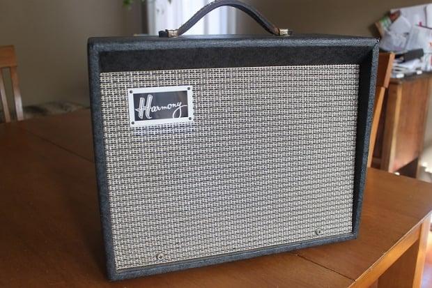 harmony h 303a vintage 60 39 s tube amp clean reverb. Black Bedroom Furniture Sets. Home Design Ideas