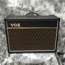 Vox AC15C1X Custom Combo Guitar Amplifier with Celestion Alnico Blue image