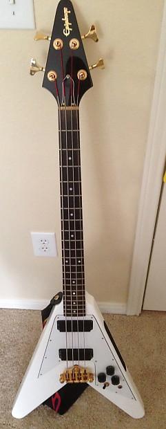 epiphone korina flying v bass 2010 white reverb. Black Bedroom Furniture Sets. Home Design Ideas