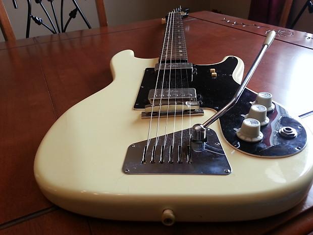 hofner 172 vintage electric guitar mint free ground reverb. Black Bedroom Furniture Sets. Home Design Ideas