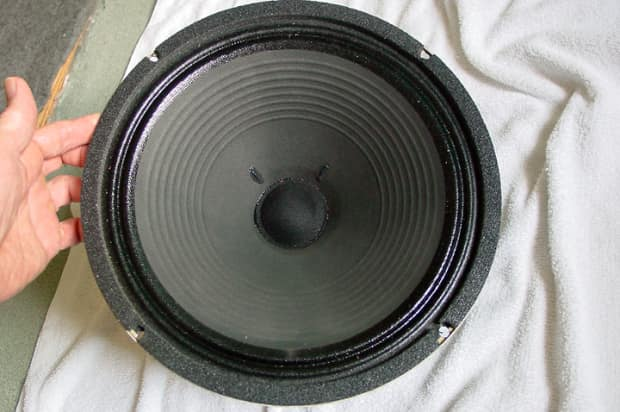 dating celestion speakers Since 1956, all celestion chassis drivers have been stamped with a date code (two numbers and two letters), denoting exact date of manufacture the codes are added on the production line and are placed on the speaker's chassis leg, on the front gasket or on a label on the magnet edge.