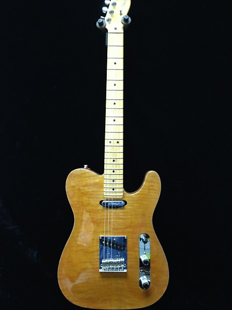 Fender american select carved maple top telecaster w