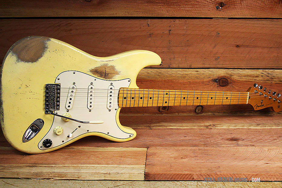 fender stratocaster relic 60s classic player 2003 worn yellow reverb. Black Bedroom Furniture Sets. Home Design Ideas