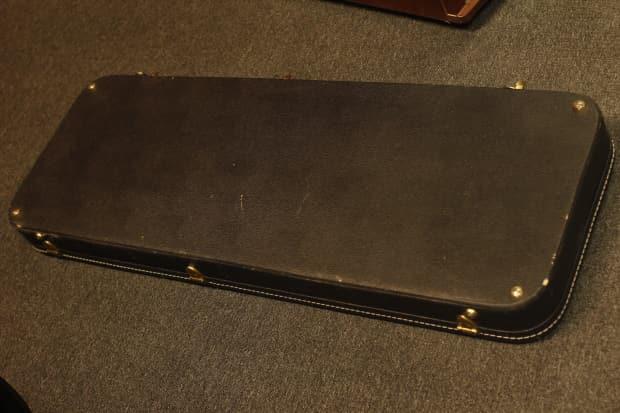 vintage kramer hardshell guitar case fits baretta reverb. Black Bedroom Furniture Sets. Home Design Ideas
