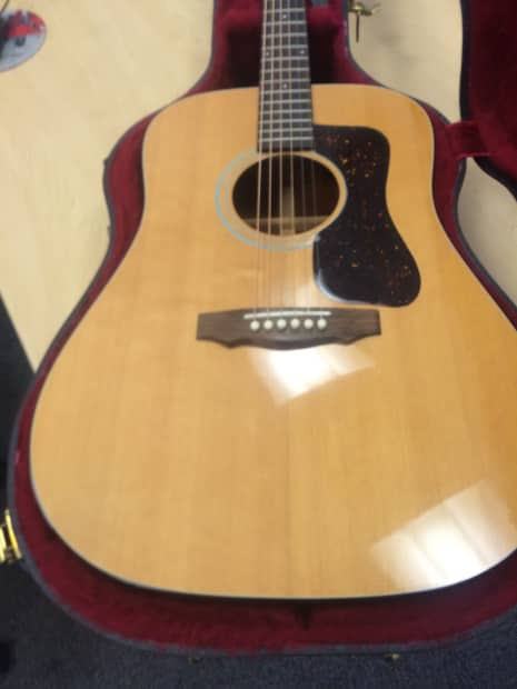 how to clean my acoustic guitar