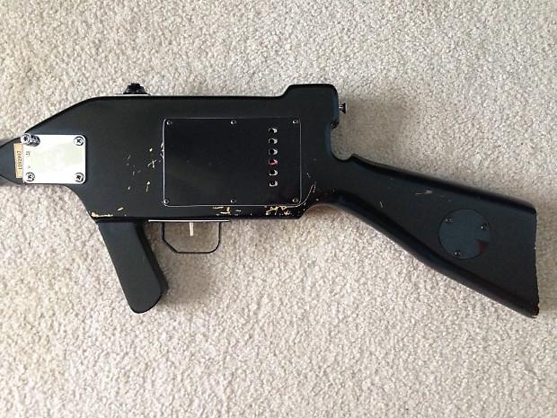 machine gun guitar