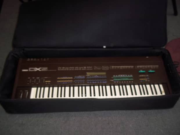 yamaha dx 5 1985 87 vintage synthesizer clean with. Black Bedroom Furniture Sets. Home Design Ideas