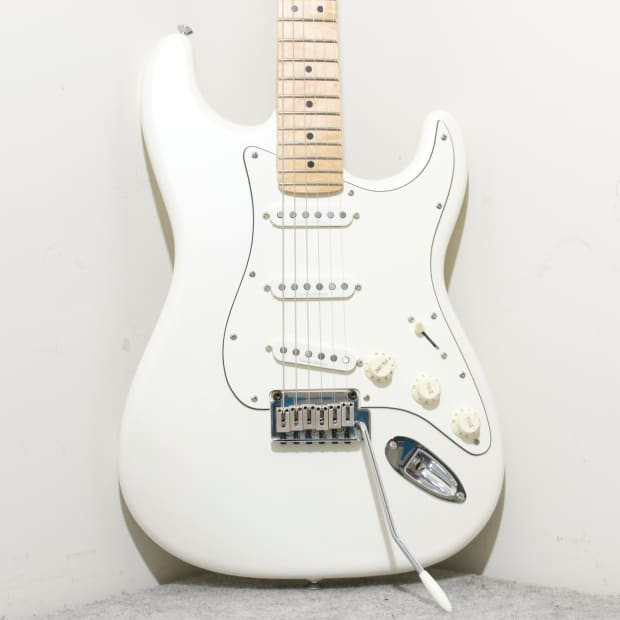 squier deluxe stratocaster white pearl metallic reverb. Black Bedroom Furniture Sets. Home Design Ideas