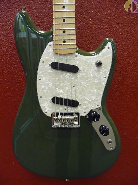 fender mustang electric guitar maple fingerboard olive reverb. Black Bedroom Furniture Sets. Home Design Ideas
