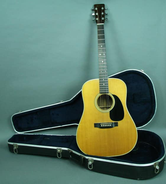 Can not martin vintage guitar excellent