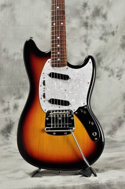 Fender Mustang Mg69 File Fender Dynamic Vibrato Of Fender