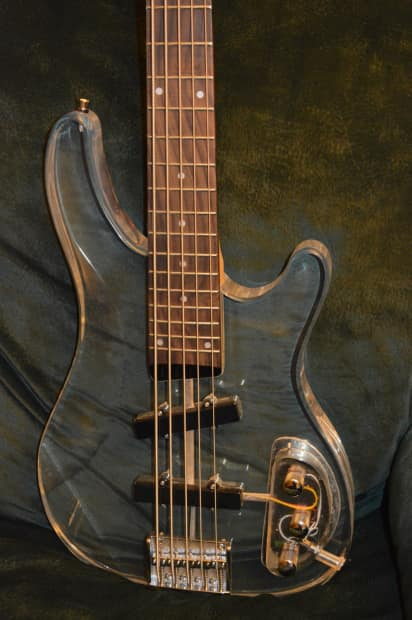 how to clean bass strings