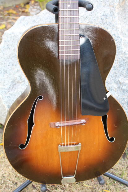 Stunning Vintage Regal Acoustic Archtop Guitar 30s 40s