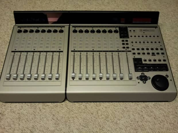Mackie Control Universal With Xt Pro 8 Channel Extender