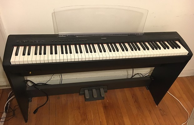 Yamaha p85 black with stand and pedal unit reverb for Yamaha piano pedal unit