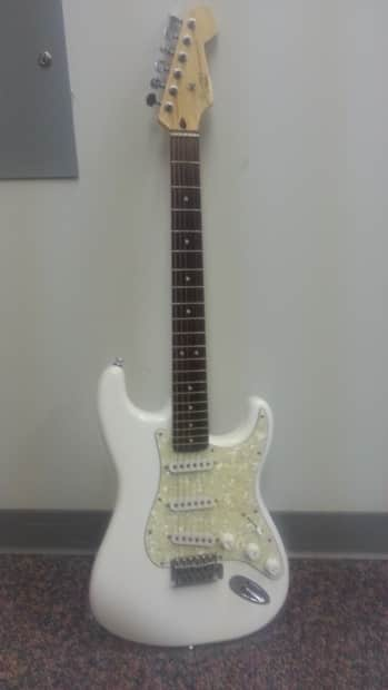 Fender Stratocaster  Wikipedia