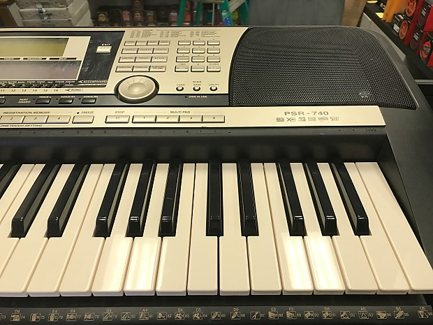 yamaha psr 740 portable keyboard with vocal harmony and 16. Black Bedroom Furniture Sets. Home Design Ideas