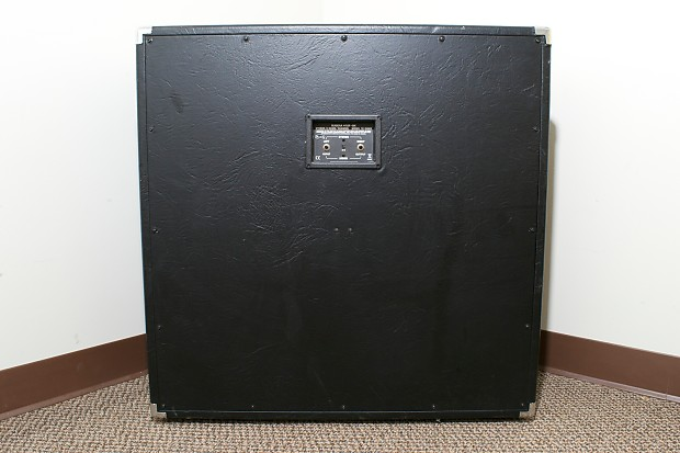 bugera 412f bk stereo guitar amplifier speaker cabinet reverb. Black Bedroom Furniture Sets. Home Design Ideas