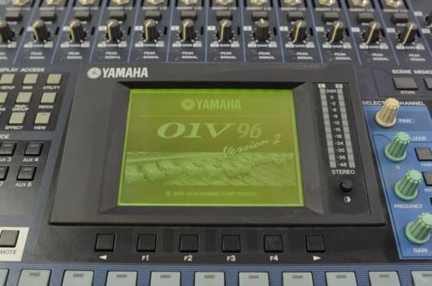 Yamaha 01V96 24-Channel Stereo 24-bit/96kHz Digital | Reverb