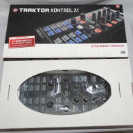 Native Instruments Traktor Kontrol X1 - Exc in Box!