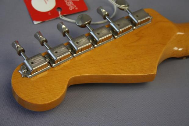 Fender Fsr American Vintage 62 Stratocaster Ropical