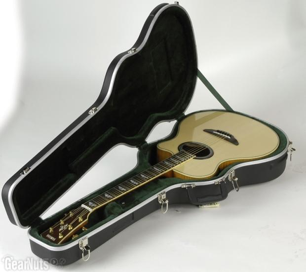 how to keep humidity in guitar case