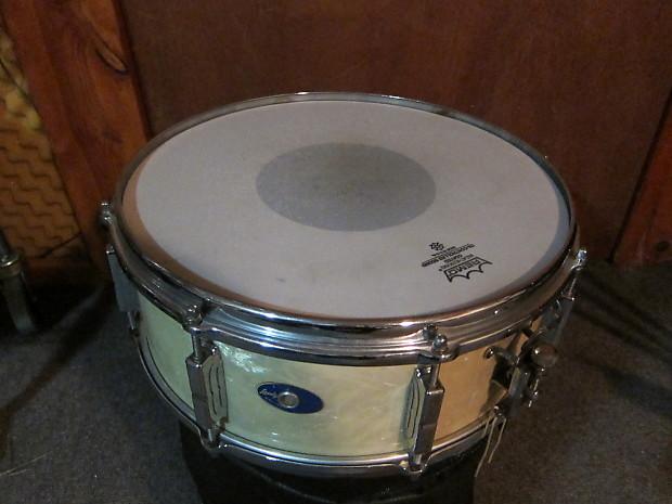 vintage leedy 1960 white pearl snare drum shelly manne reverb. Black Bedroom Furniture Sets. Home Design Ideas
