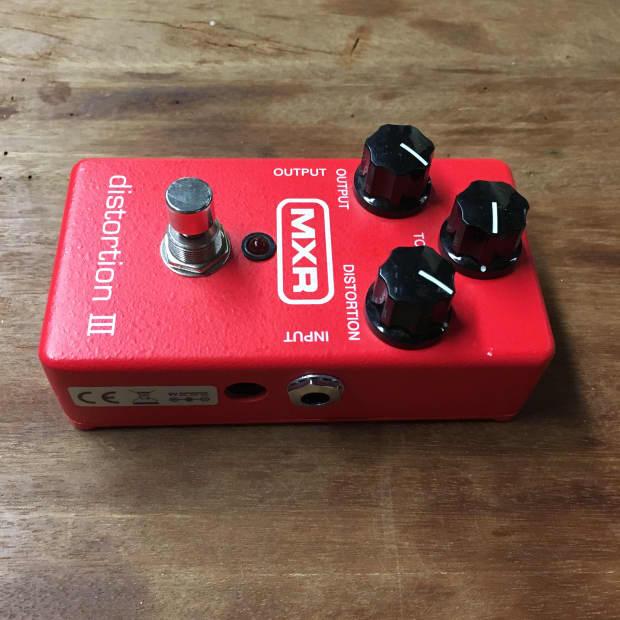 mxr m115 distortion iii guitar effects pedal reverb. Black Bedroom Furniture Sets. Home Design Ideas
