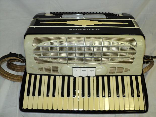 Vintage Accordion Brands - 0425