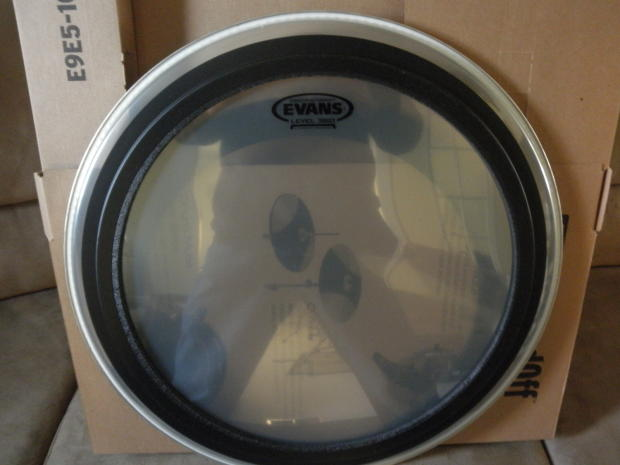evans emad2 20quot clear new reverb