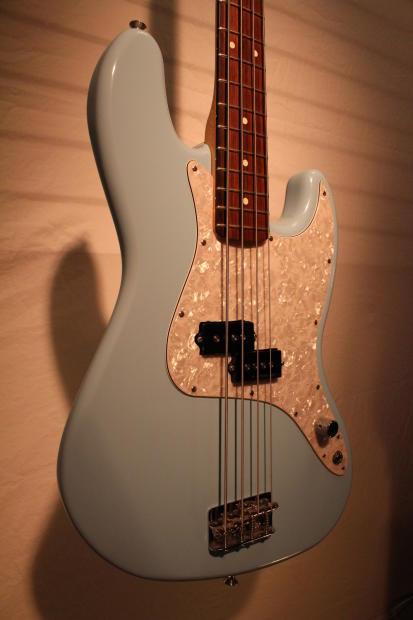 fender mark hoppus signature jazz bass 2006 daphne blue reverb. Black Bedroom Furniture Sets. Home Design Ideas
