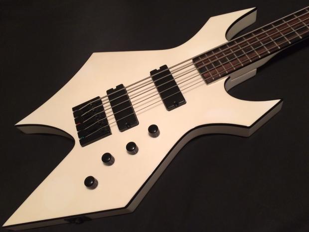 Rare White BC Rich PFG Signature 5 string 35 Scale