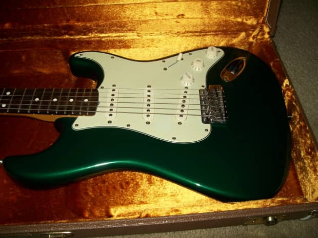 Review fender stratocaster vintage hot rod 62 : Reviews