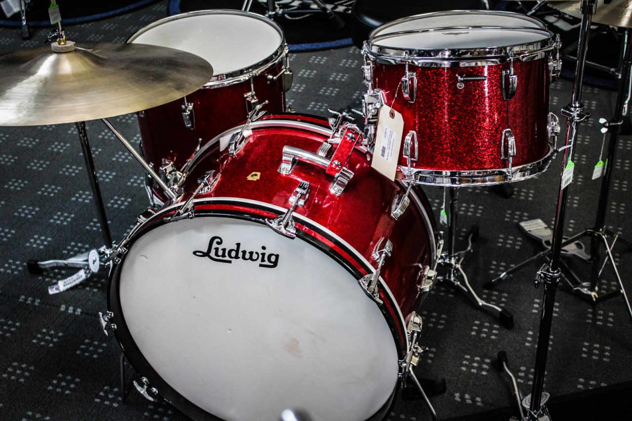 vintage ludwig 60 39 s new yorker 4 piece drum set reverb. Black Bedroom Furniture Sets. Home Design Ideas