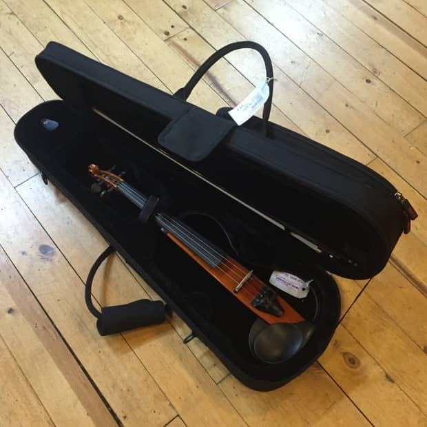 Yamaha Sv 100 Electric Violin Reverb
