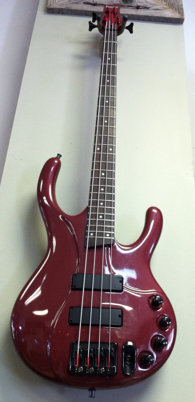 ibanez edc 700 4 string active electric bass guitar reverb. Black Bedroom Furniture Sets. Home Design Ideas