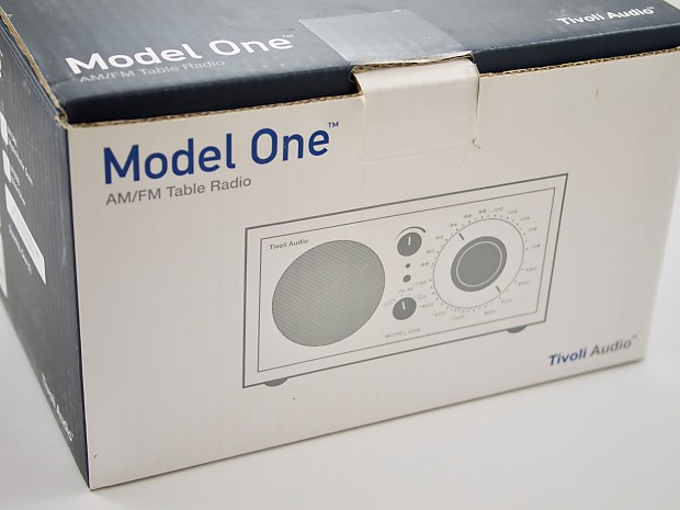 tivoli audio model one am fm table radio w original box. Black Bedroom Furniture Sets. Home Design Ideas