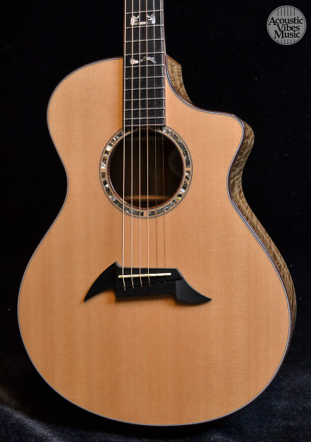 Used breedlove northwest classic myrtle wood and sitka for Northwest classic