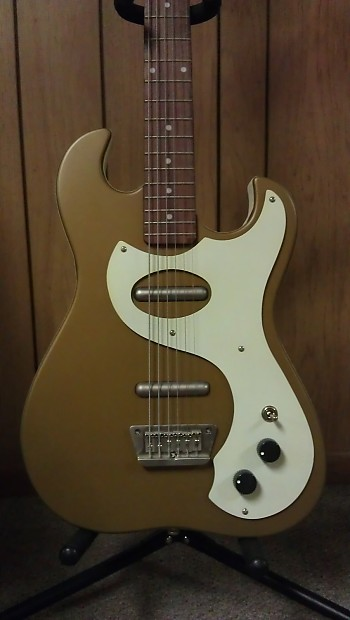 danelectro 39 63 baritone reissue 2008 gold w tweed case reverb. Black Bedroom Furniture Sets. Home Design Ideas