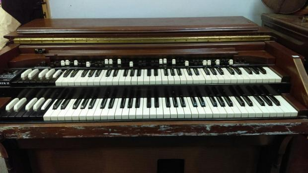 hammond cv 1945 tone wheel organ  with leslie  u0026 percussion