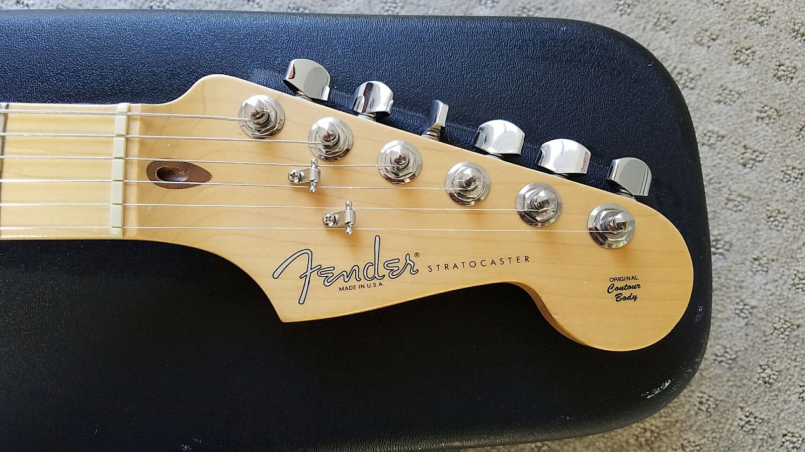 sold 2002 fender highway one stratocaster white blonde 699 the gear page. Black Bedroom Furniture Sets. Home Design Ideas