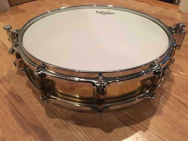 Yamaha sd493 14 x 3 5 seamless brass piccolo snare for Piccolo prices yamaha
