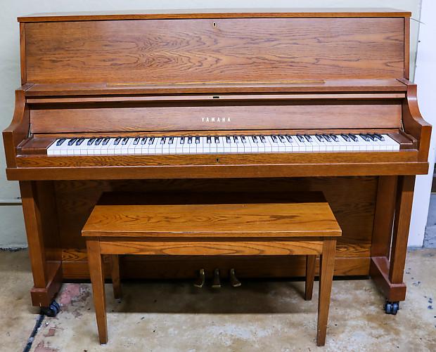 Used yamaha p22 45 american walnut upright piano w bench for Yamaha p22 upright piano