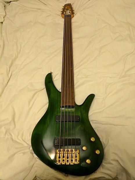 samick emerald green 5 string fretless bass guitar reverb. Black Bedroom Furniture Sets. Home Design Ideas