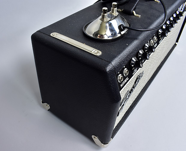 fender 39 65 deluxe reverb amp 22 watt electric guitar tube reverb. Black Bedroom Furniture Sets. Home Design Ideas