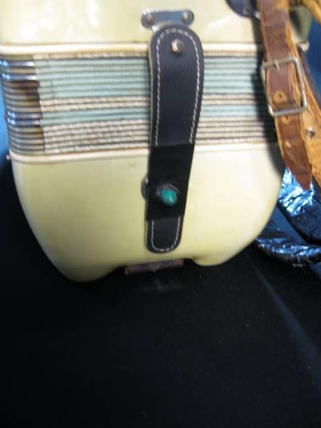 140898 Noble Model 125 120 Bass 7 Treble Shift 1 Bass 1955 Pearl White together with 140898 Noble Model 125 120 Bass 7 Treble Shift 1 Bass 1955 Pearl White likewise 361836732829 together with 140898 Noble Model 125 120 Bass 7 Treble Shift 1 Bass 1955 Pearl White in addition Catalogue  105  1 256 64 ln. on oscar schmidt autoharp serial number
