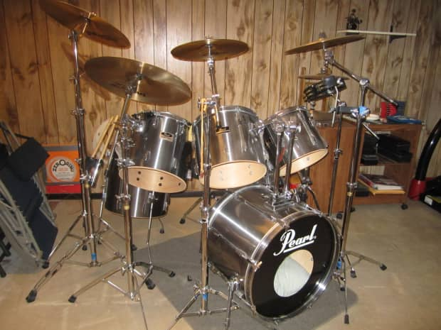 6 piece pearl export series 1995 silver drum set with 5 reverb. Black Bedroom Furniture Sets. Home Design Ideas
